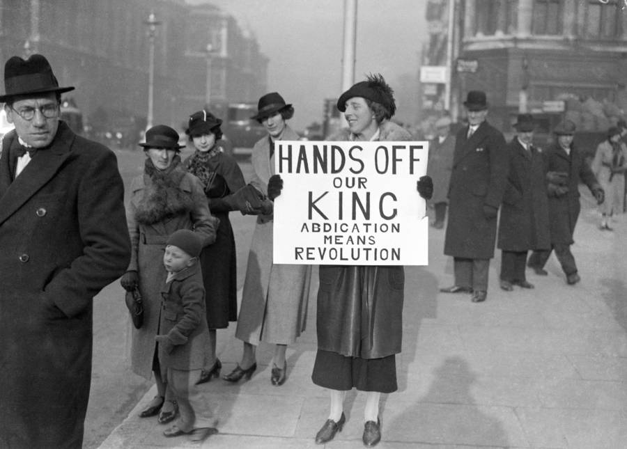 Woman Protests Against King Edward's Abdication
