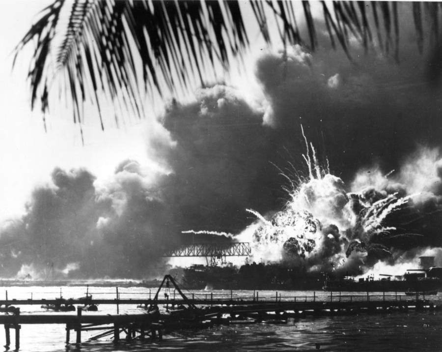 Uss Shaw Exploding