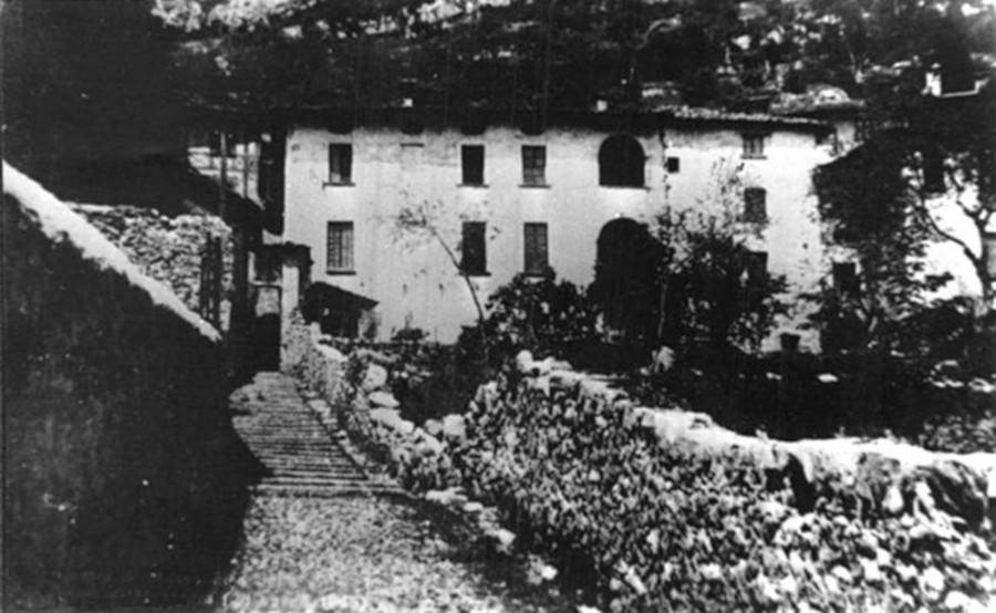Mussolini Death Farmhouse