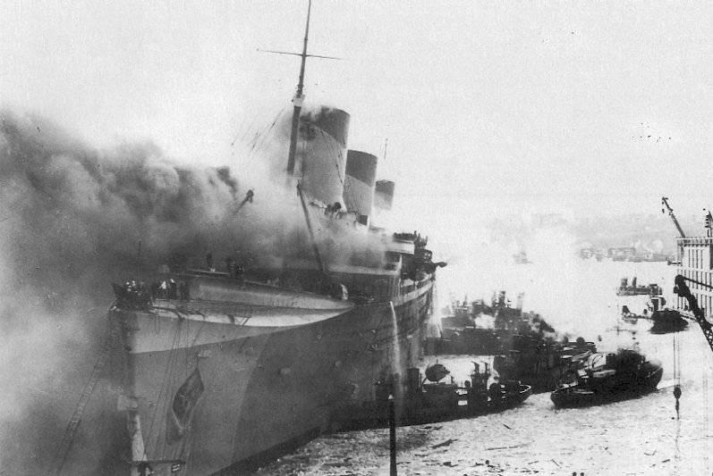 Normandie Boat Fire