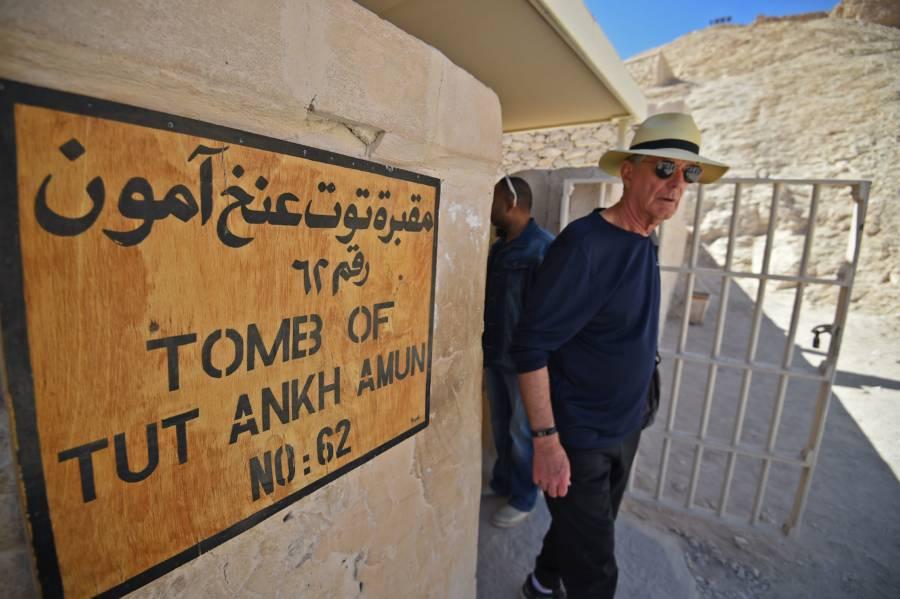 Man Exits Tuts Tomb
