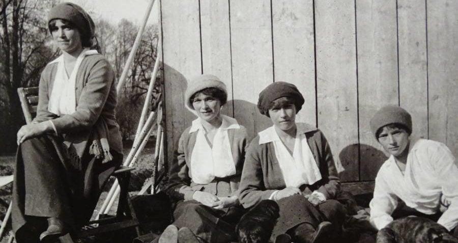 Romanov Sisters In Exile