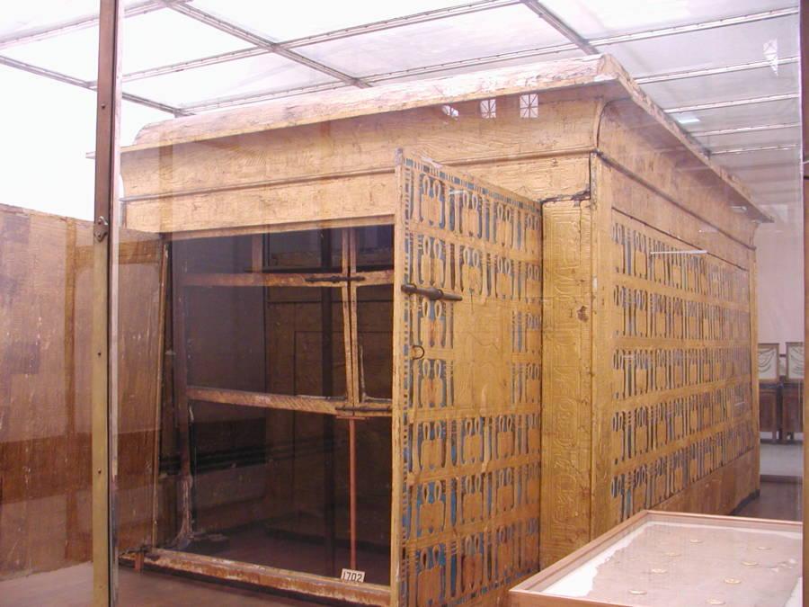 Tuts Tomb Funeral Chamber