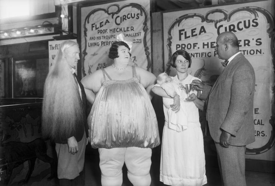 Sideshow Freak Albino With Fat Lady