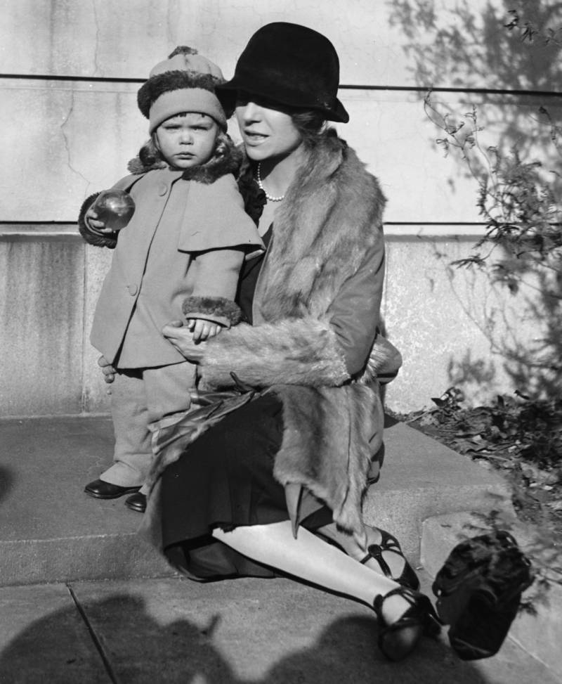 Alice Roosevelt Longworth With Child