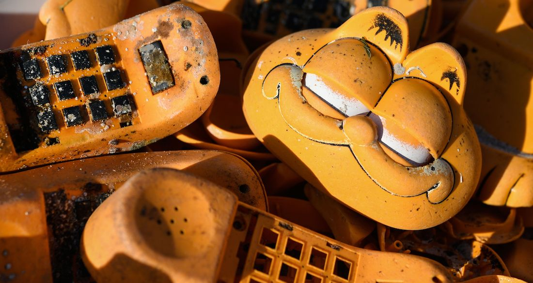 c0644ebfa4cf 30-Year Mystery Of Garfield Phones Washing Up On One French Beach Finally  Solved