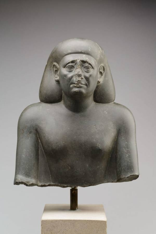 Noseless Egyptian Official Statue
