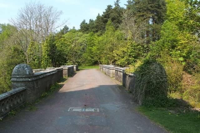 Overtoun Walkway