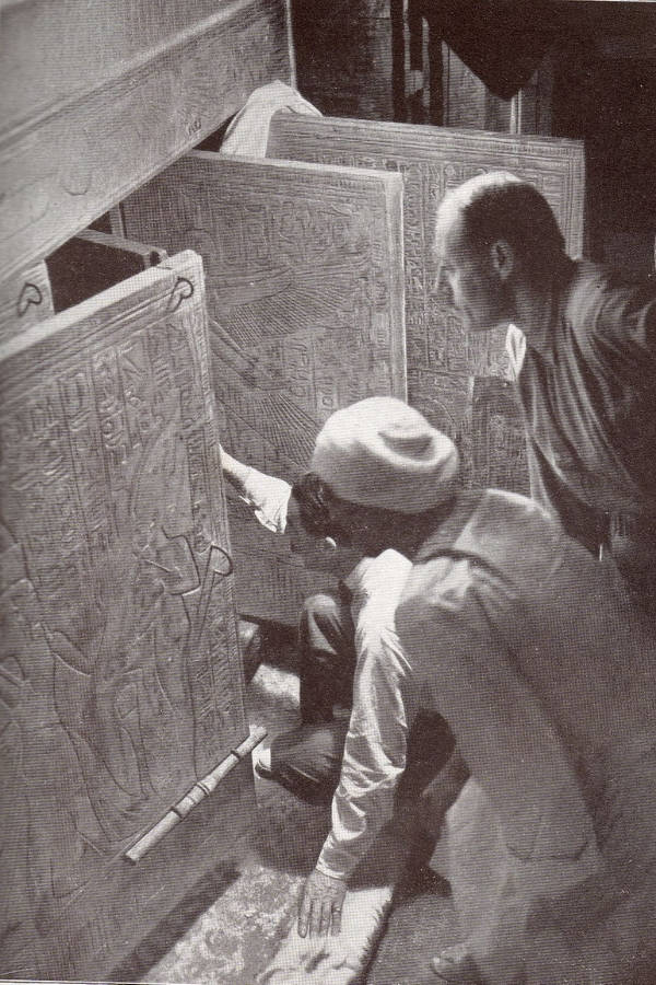 Howard Carter Looking Into Tomb