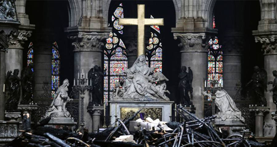Notre Dame Fire Pictures That Bring The Tragedy To Life
