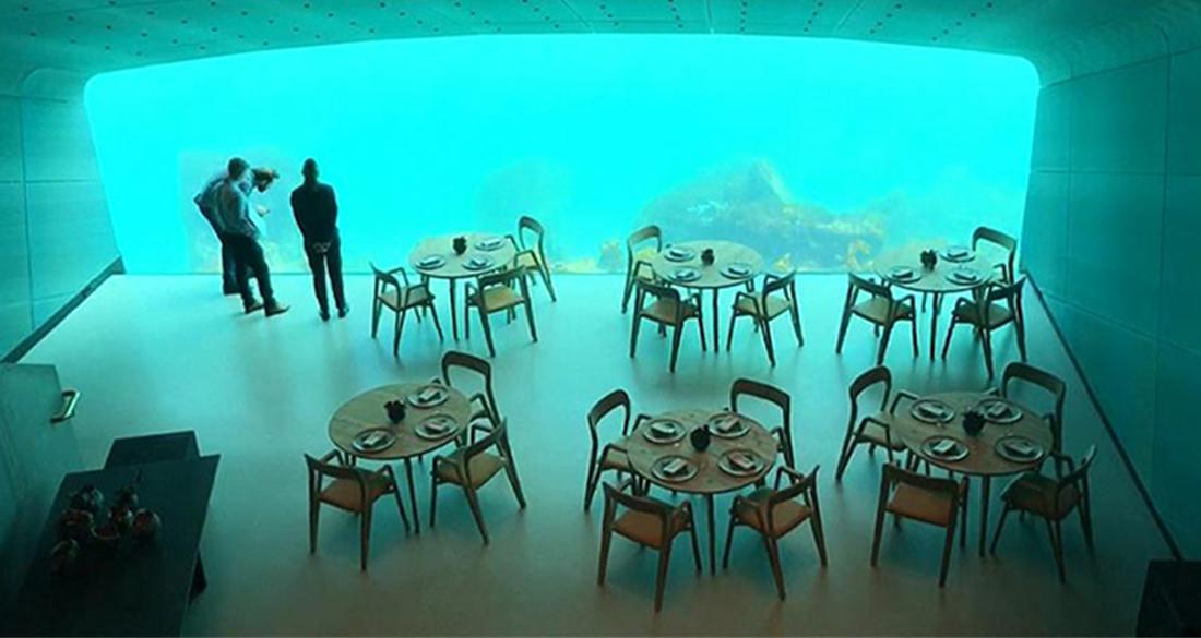 people-inside-underwater-restaurant-featured.jpg