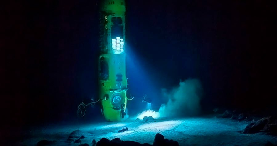 deepsea-challenger-touching-down.jpg