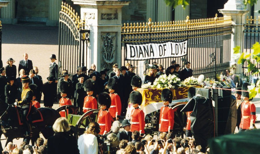 Princess Diana S Funeral In 33 Heartbreaking Photos