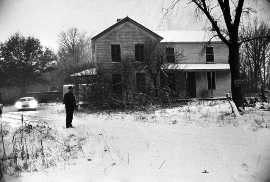 Sheriff Stands Outside Gein's House