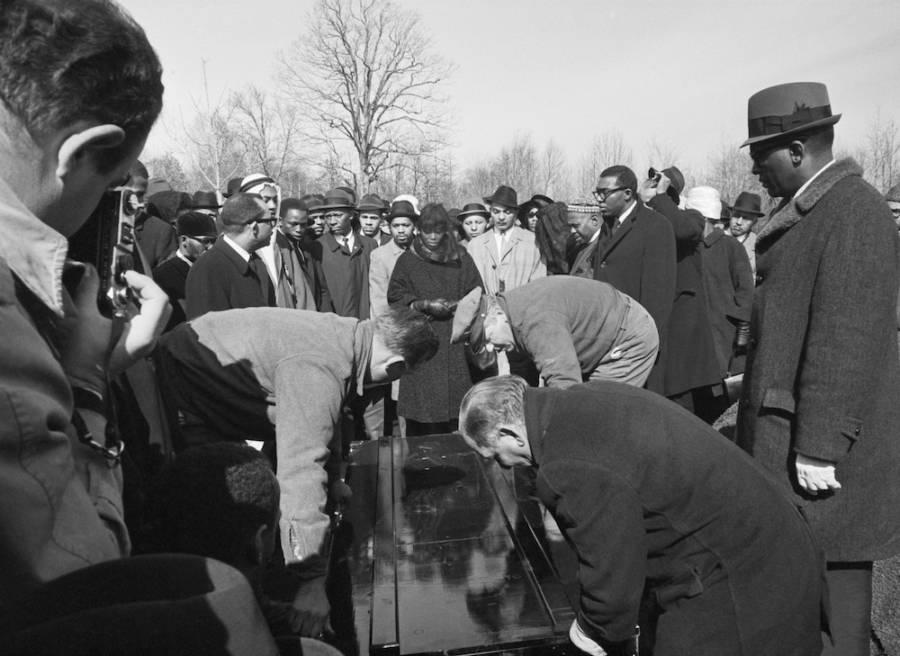 Malcolm X Burial