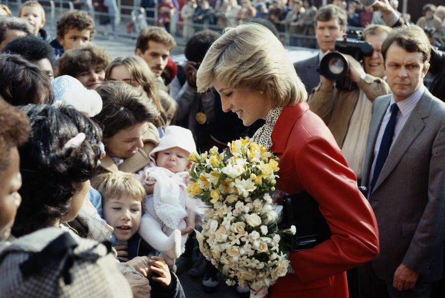 Princess Diana Greets Fans