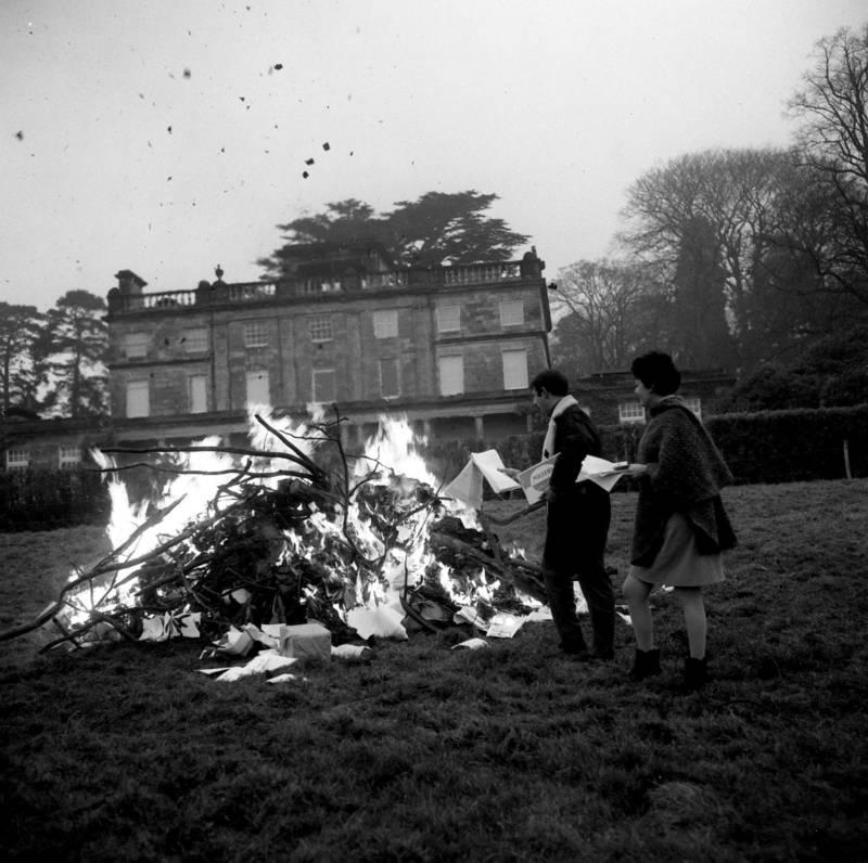 Scientology Bonfire Saint Hill Manor Sussex Uk Nov 29 1968