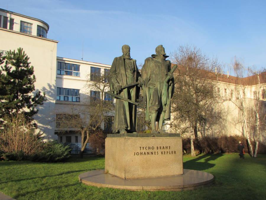 Brahe Statue