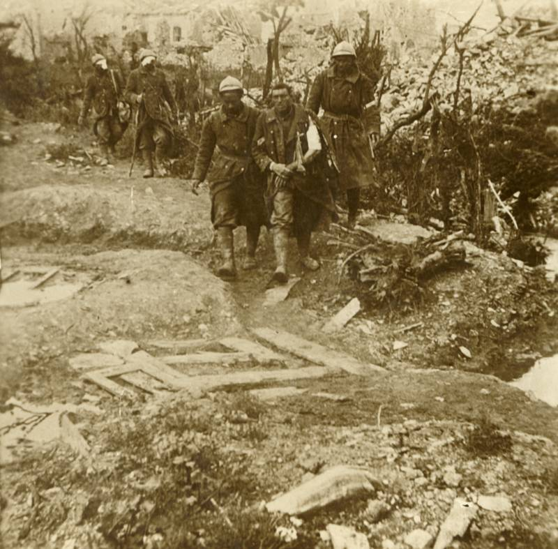 Wounded Soldiers Walking In Verdun