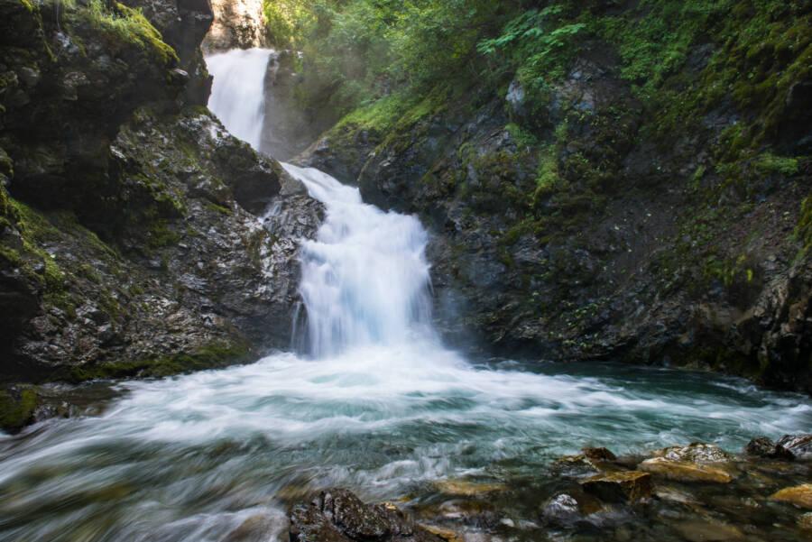 Alaska Thunderbird Falls Trail