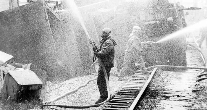 Chernobyl Workers Hosing Down Reactor