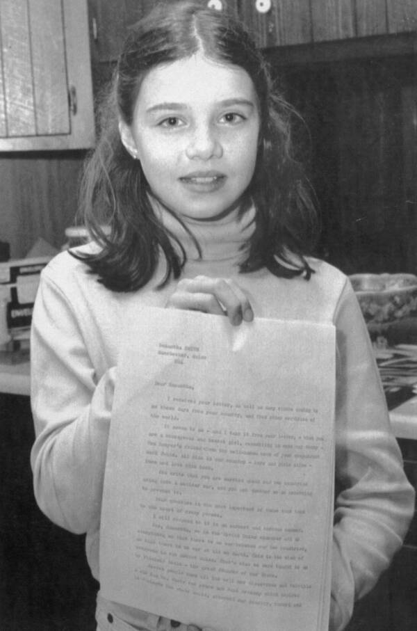 Samantha Smith Holding A Letter