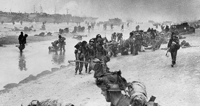 Soldiers Come Ashore On Dday
