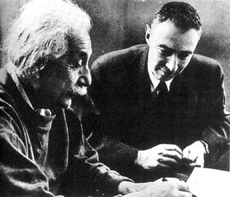 Albert Einstein Oppenheimer