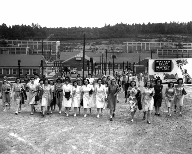 Female Workers At End Of Shift At Oak Ridge