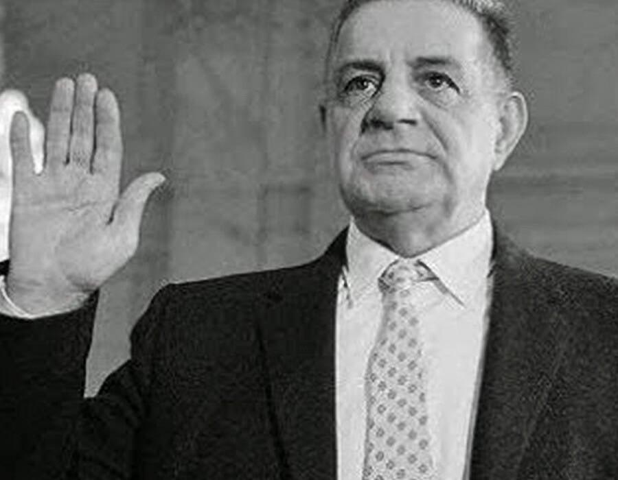 Joe Valachi Hand Raised In Court