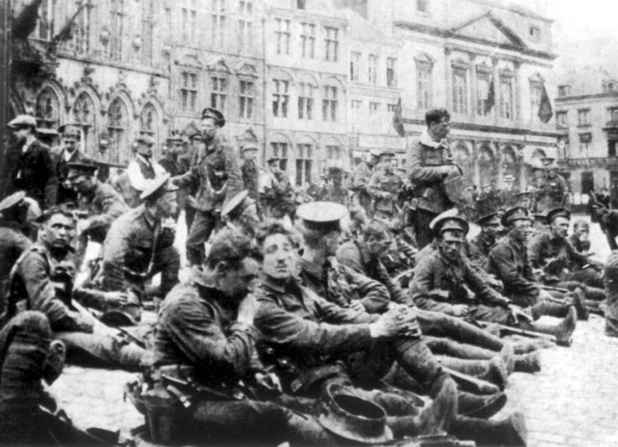 Royal Fusiliers Before The Battle Of Mons