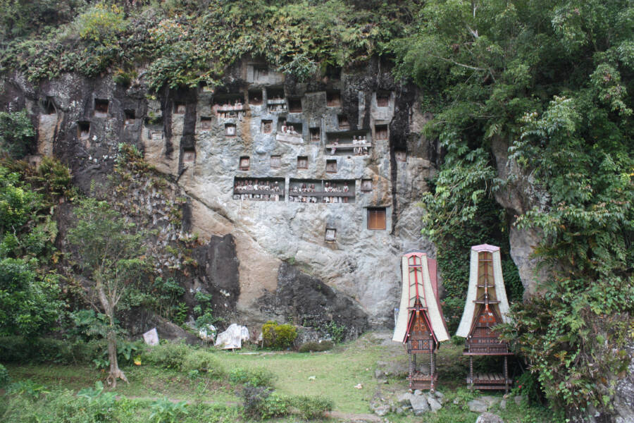 Toraja Cave Tombs