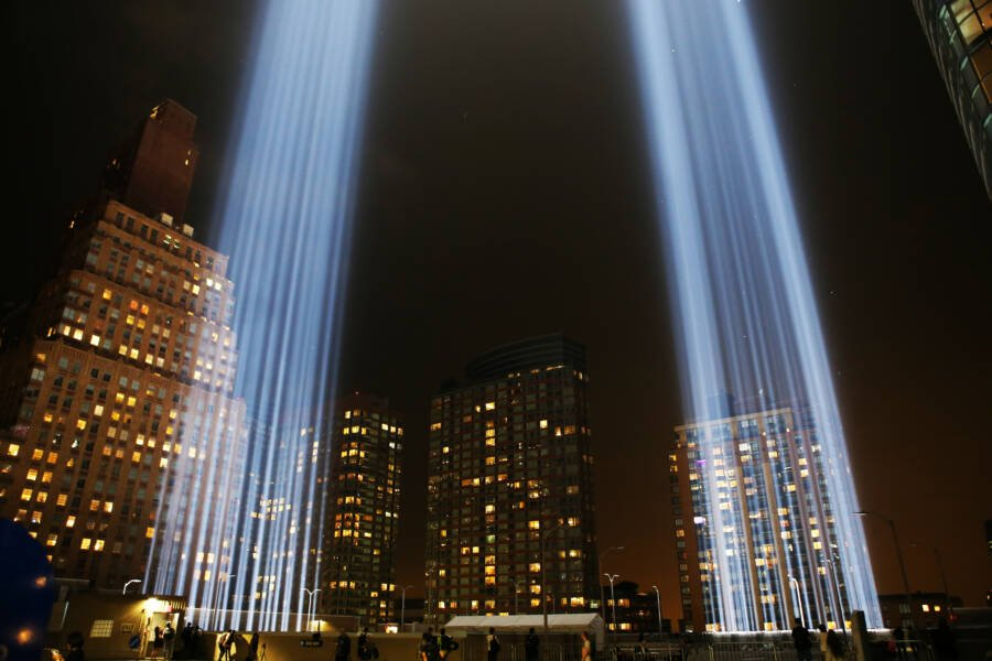 160,000 Birds Get Trapped In The 9/11 Memorial Lights Every Year