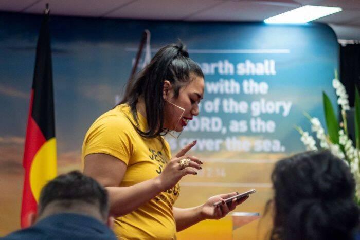 Ana Makahununiu Preaching