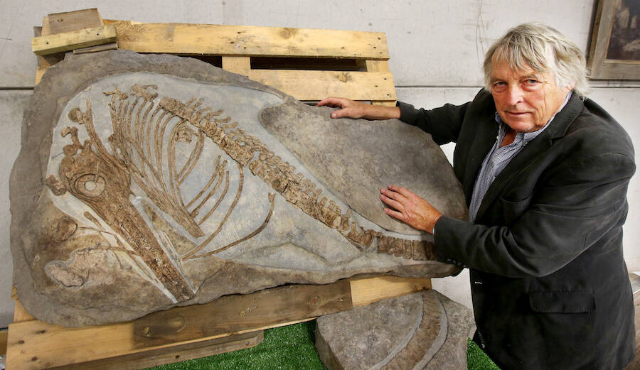 Julian Temperley With Ichthyosaurus Fossil