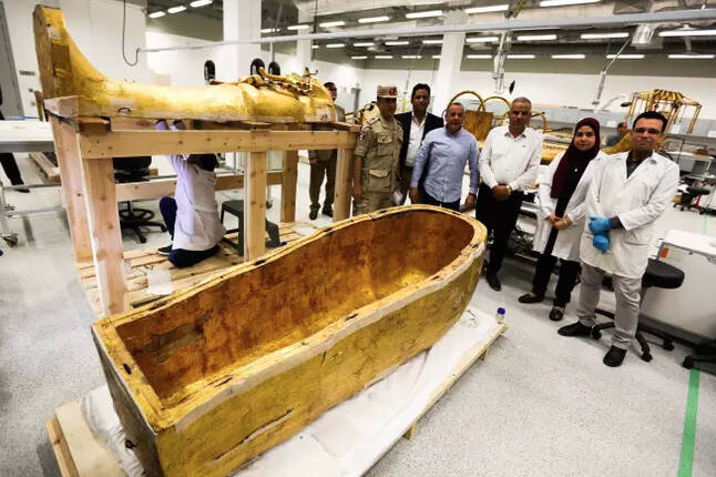 The Team Restoring King Tut's Coffin