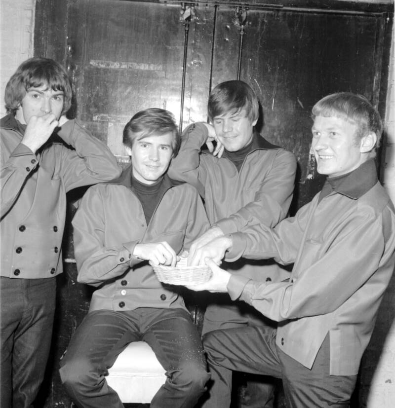 The Bobby Fuller Four With Their Hands In A Basket