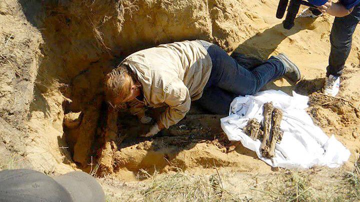 Archaeologist Digs Up Bones In Siberia