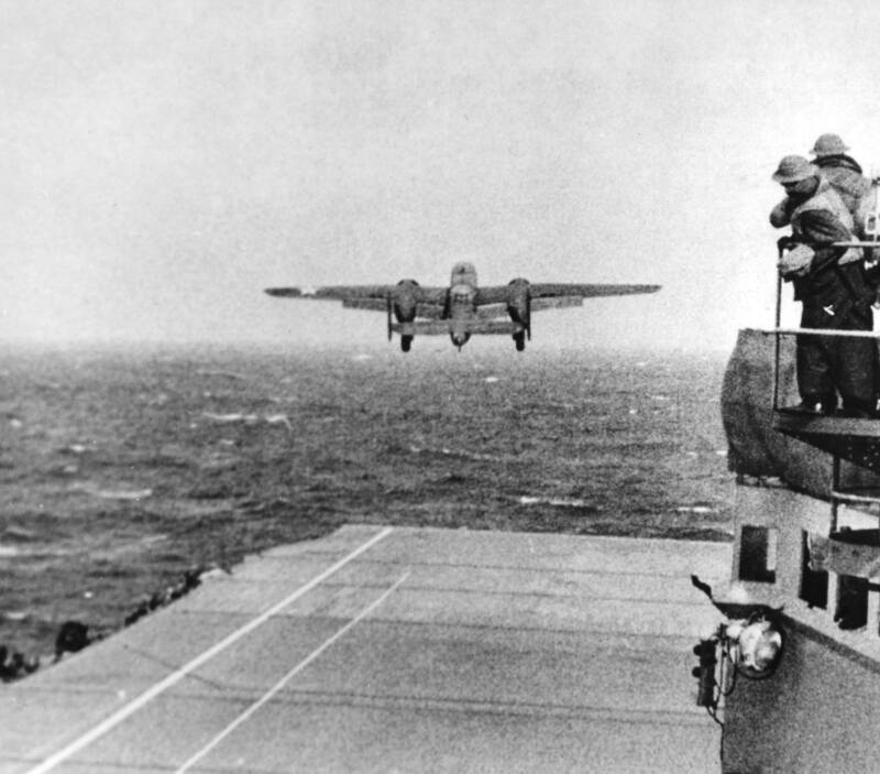 B25 Launching Doolittle Raid