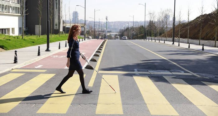 crosswalk-smart-cane-woman.jpg