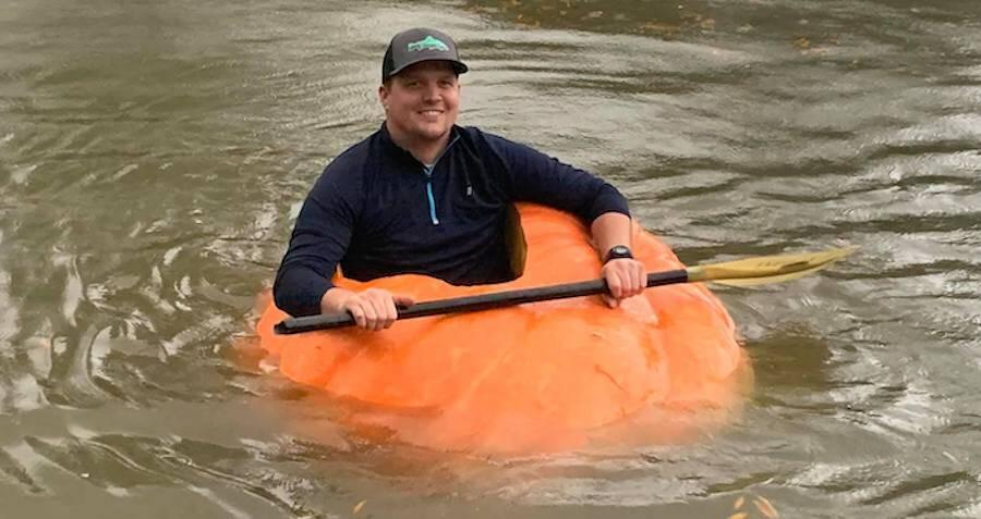 giant-pumpkin-boat-1.jpg