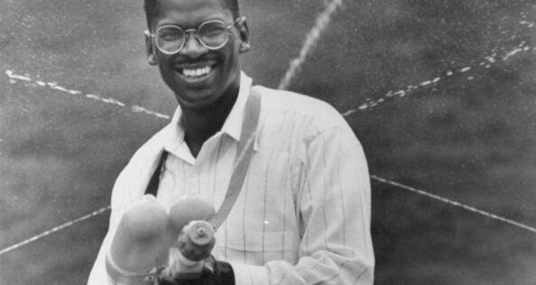 lonnie-johnson-shoots-super-soaker-featured.jpg