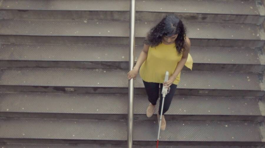 Woman Uses WeWALK Smart Cane