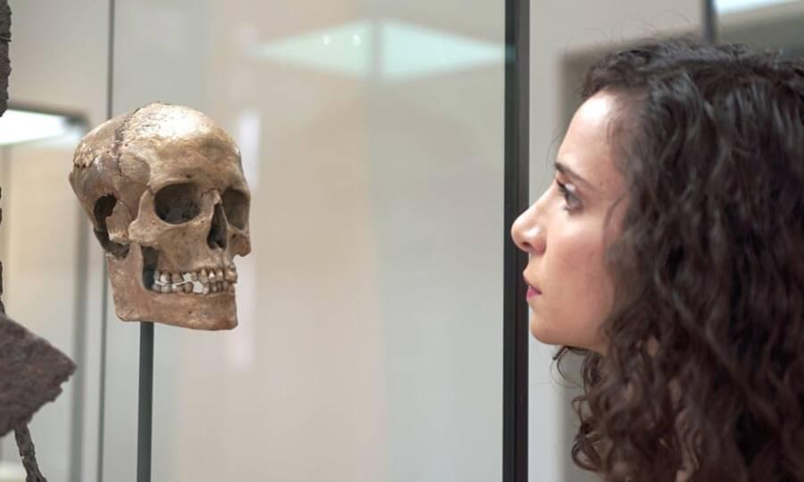 Ella Al Shamahi And A Female Viking Skull