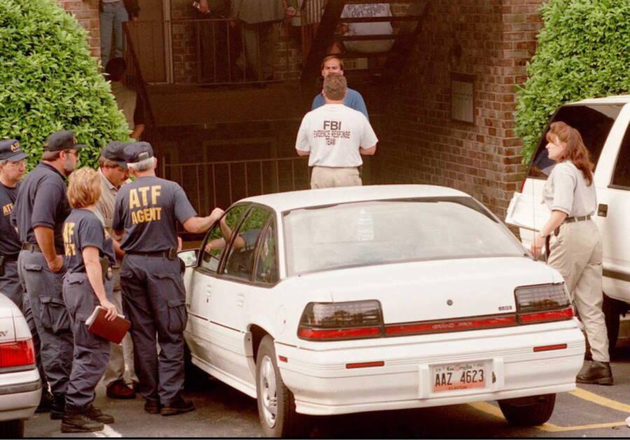 FBI Search Richard Jewells Apartment