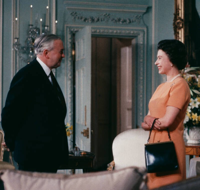 Harold Wilson Smiloing With The Queen