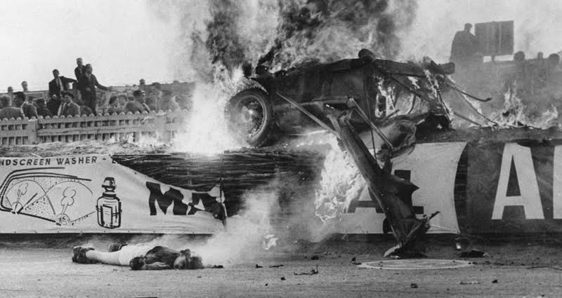 44 Pictures Of The 24 Hours Of Le Mans, From Film Stars To Tragic Crashes