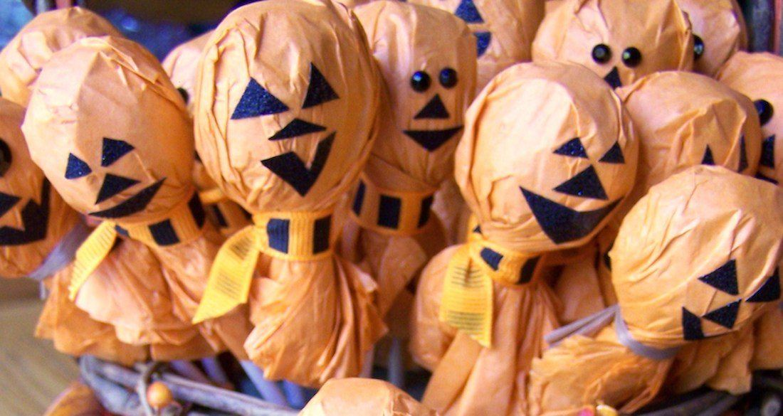 smiling-halloween-lollipops-featured.jpg