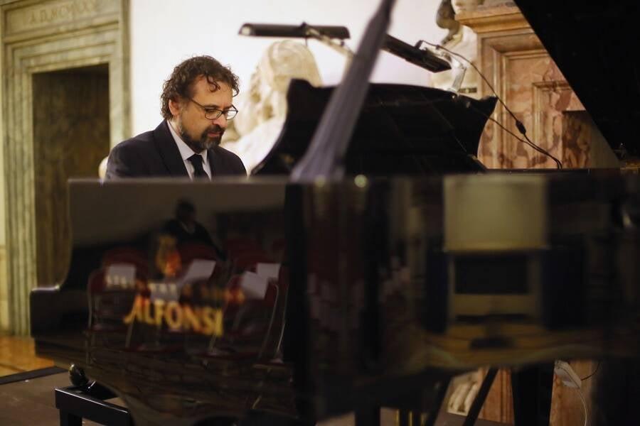 Francesco Lotoro Playing The Piano