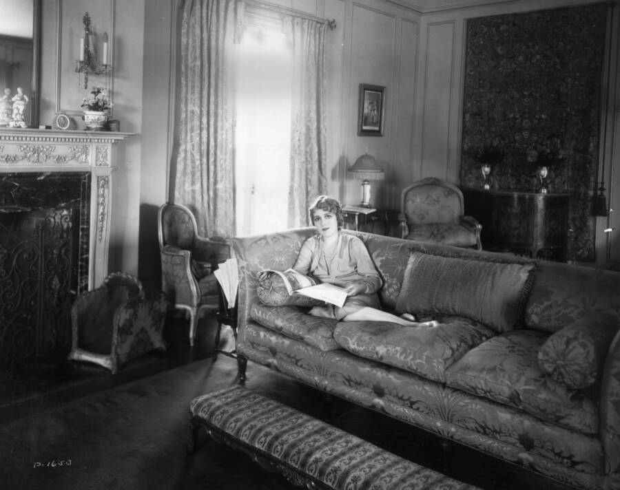 Mary Pickford At Home